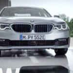 ガレージでワイヤレス充電できるハイブリッド車をBMWが発表!